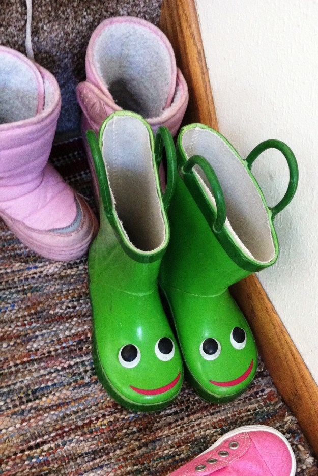 I need to get myself a pair of these sweet galoshes.  :)