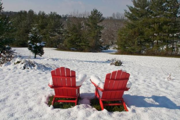 adirondack-chairs-in-snow