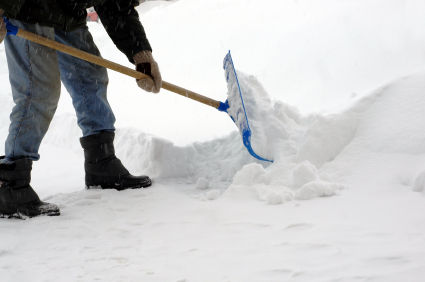deight-shoveling-snow